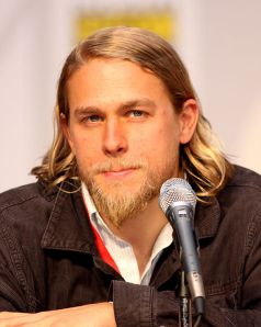 Charlie Hunnam, Tom Hiddelston, Crismon Peak preview,