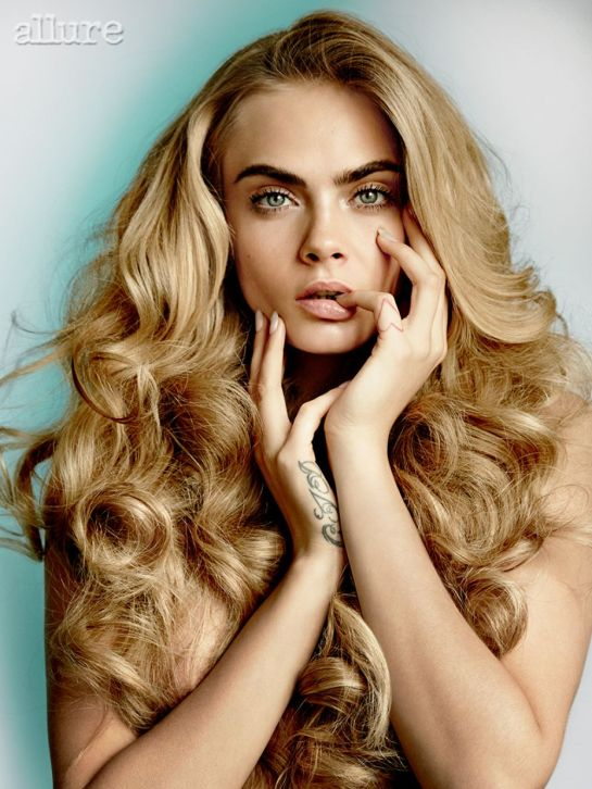 Cara Delevingne biography filmography sexy photos k