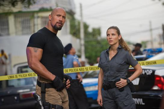 Fast and Furious 5 sightseeing in Rio review trailer..