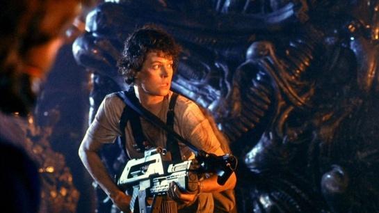 Best trailers ever Alien,,,