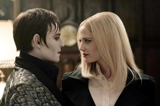 Dark Shadows Gothic and strange review trailer.,