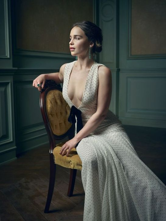 emilia-clarke-biography-filmography-sexy-photos1