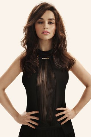 emilia-clarke-biography-filmography-sexy-photos