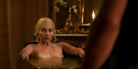 emilia-clarke-biography-filmography-sexy-photos2