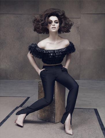 emilia-clarke-biography-filmography-sexy-photos45