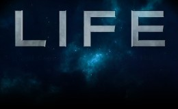 Ryan Renolds Sci Fi thriller LIFE first Trailer